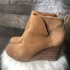 Lucky Brand Yezzah Wedge Heeled Bootie Honey Suede